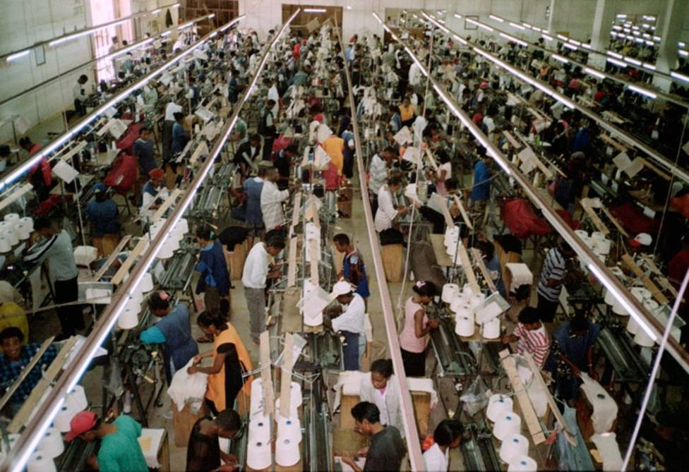 El 82% de los españoles cree que la ley debe obligar a las marcas de ropa a respetar los DDHH de sus trabajadores