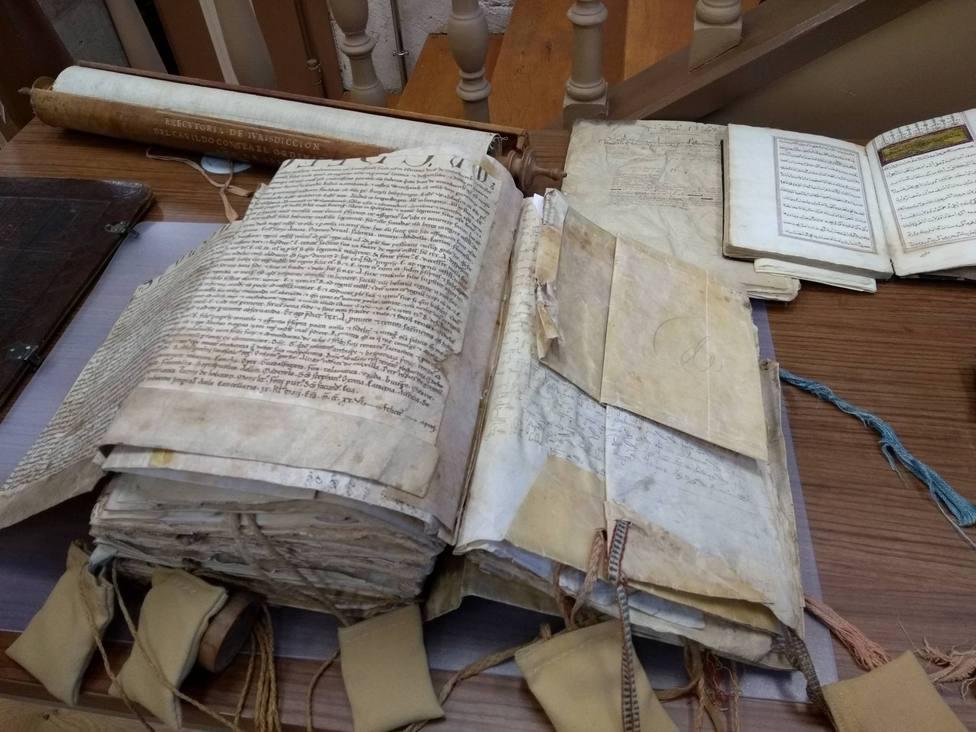 Documentos guardados en el archivo de la Catedral de Burgos.