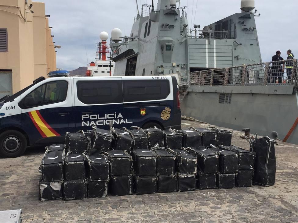 Interceptan un pesquero con 1.500 kilos de cocaína en Canarias con destino a Galicia