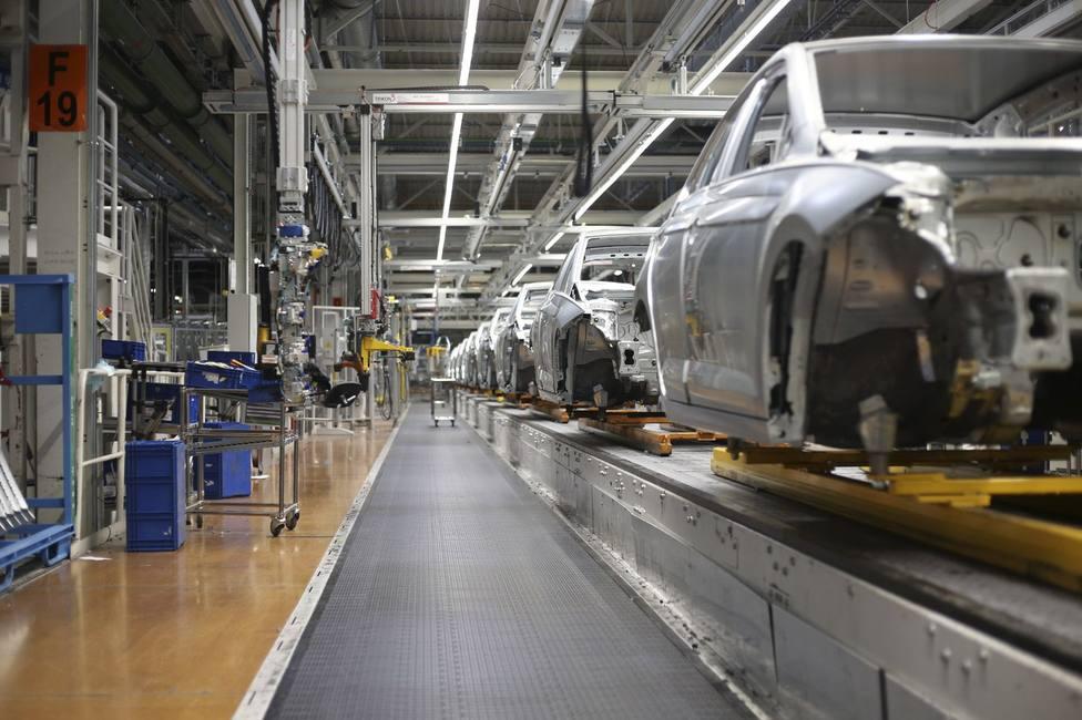 Volkswagen Navarra fija cuatro días más de producción y prevé contratar a 200 personas tras el verano