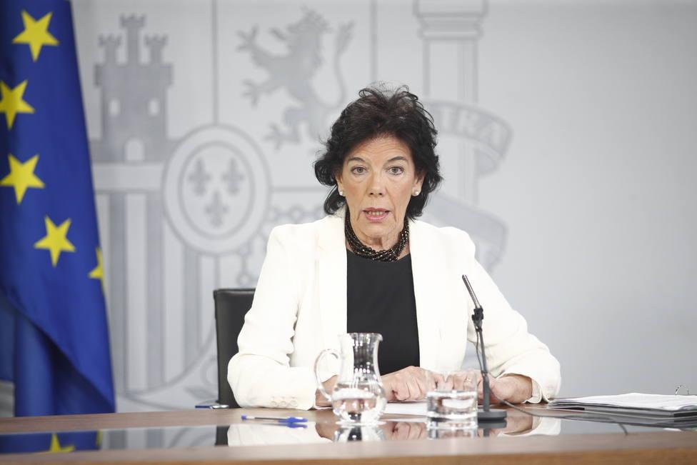 """Celaá reconoce que con la renuncia de Iglesias se ha abierto """"una posibilidad más cierta de desbloquear la investidura"""""""