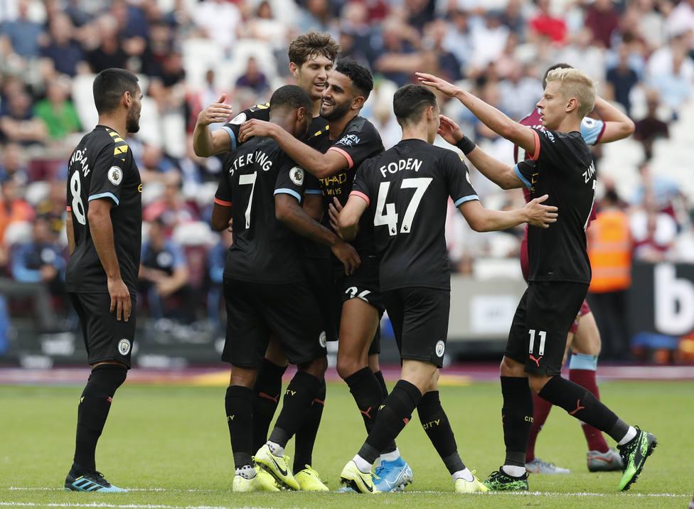 (Crónica) El City golea con Sterling y el Tottenham remonta al Aston Villa