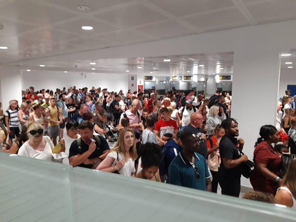 Sigue la huelga de controladores de pasaporte en el aeropuerto de Palma con servicios mínimos del 62%