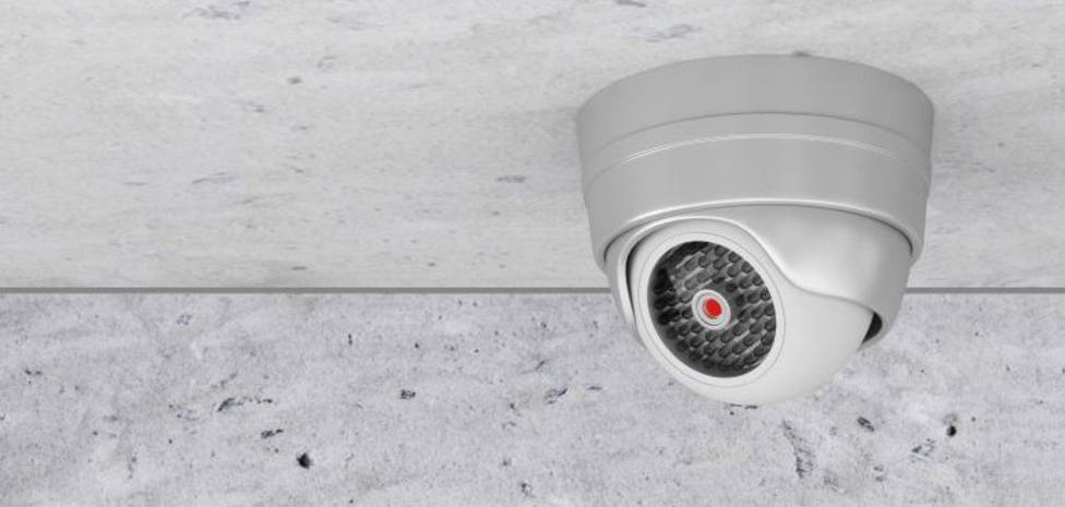 Las cámaras de vigilancia falsas también pueden vulnerar el derecgo a la intimidad, según el Supremo