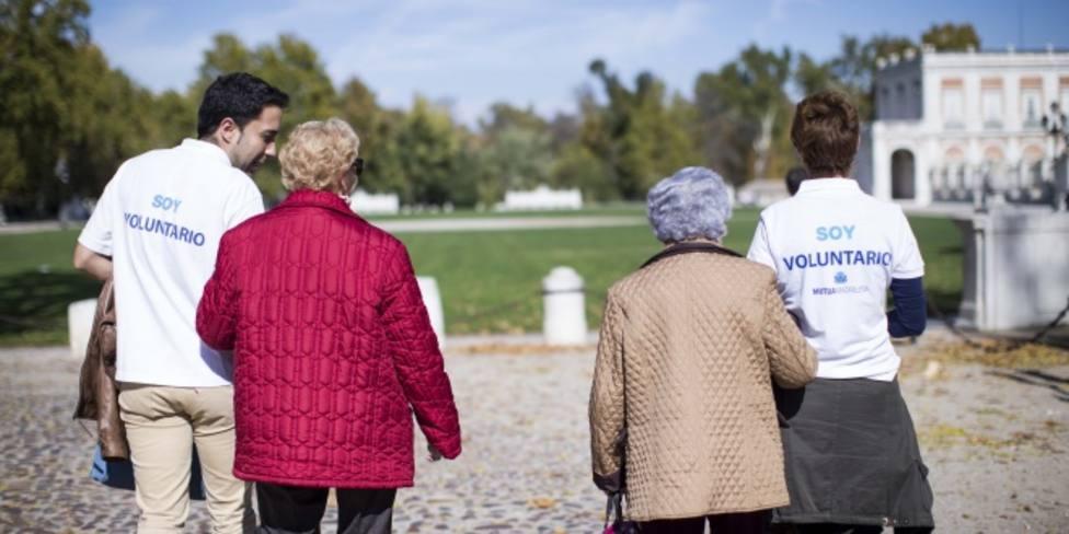 Un grupo de voluntarios se ofrecen a dar acompañamiento a personas solas durante el confinamiento