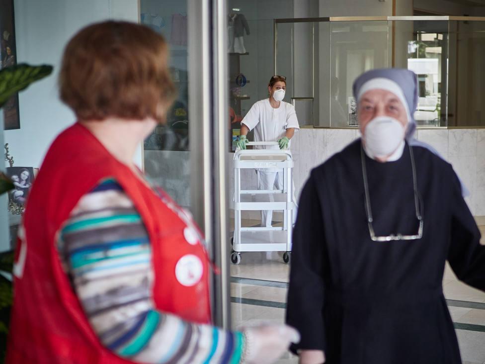Seguimiento de la labor de la Cruz Roja frente al coronavirus en Pamplona