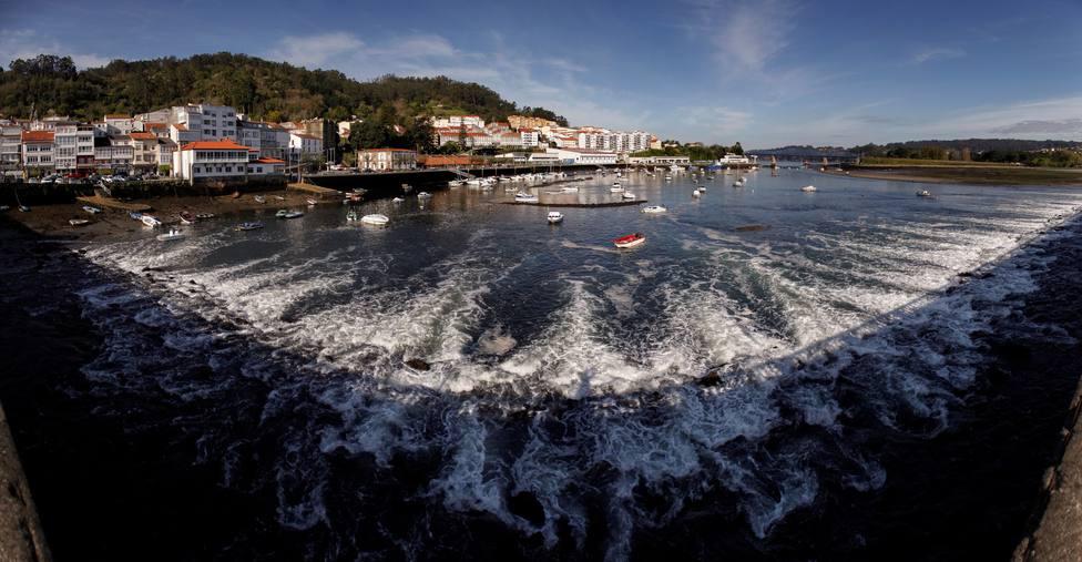 El río Eume a su paso por Pontedeume - FOTO: EFE / Cabalar