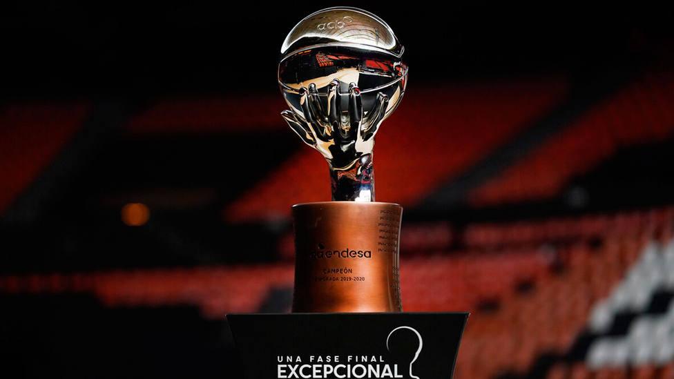 Trofeo que se lleva el ganador de la Liga Endesa de baloncesto 2019-2020