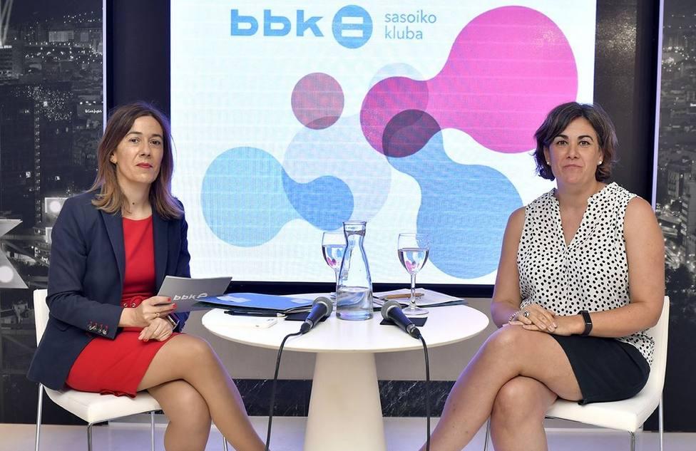 Nora Sarasola e Ixone Zubieta en la presentación de BBK Sasoiko Kluba