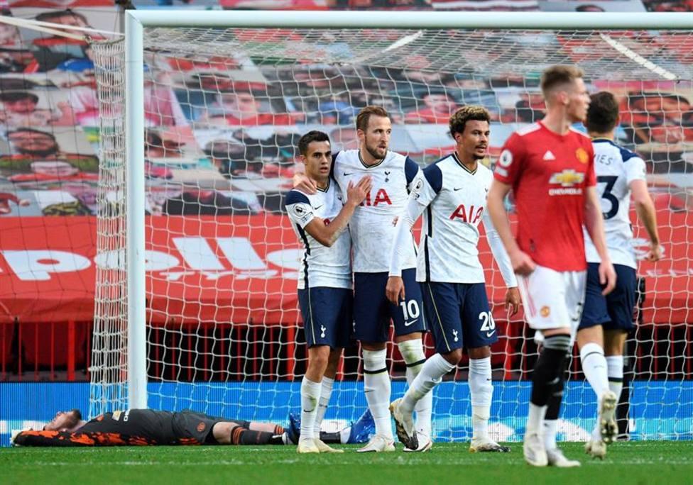 Momento del partido entre el Tottenham y el United