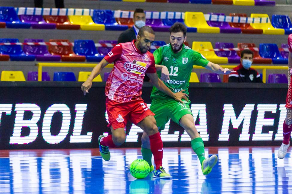 Leo Santana hizo los dos goles de ElPozo Murcia