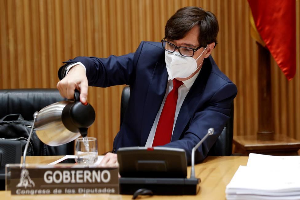 Sánchez receló del daño electoral para Illa de ampliar el toque de queda