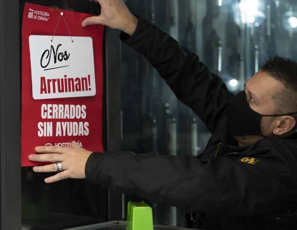 Hostelería Riojana vuelve a la calle con sus vehículos para exigir su reapertura inmediata y ayudas
