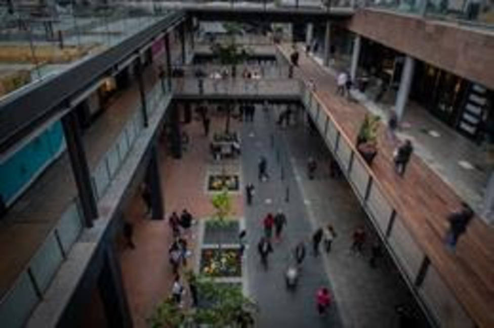 El Govern añade un millón de euros a las ayudas a la restauración de centros comerciales