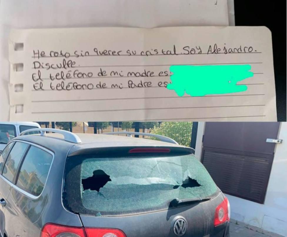 Rompe el cristal de un coche en un pueblo de Sevilla y su nota de disculpa se hace viral