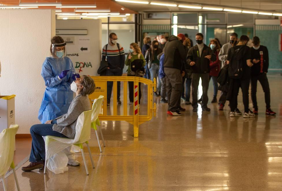 Cataluña confirma dos casos de la variante india del coronavirus