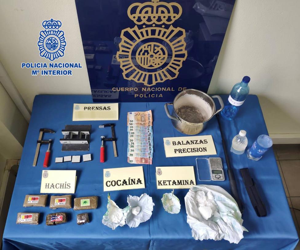 La Policía Nacional intervino en el piso cocaína, ketamina, hachís y dinero