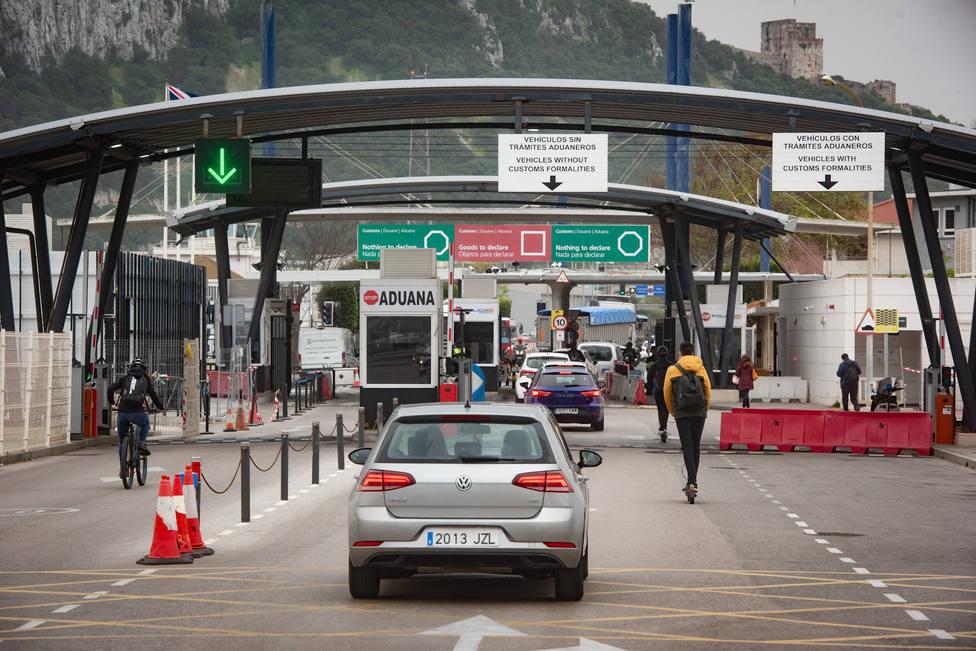 Reino Unido ve un ataque a su soberanía que Bruselas plantee que España controle la frontera en Gibraltar