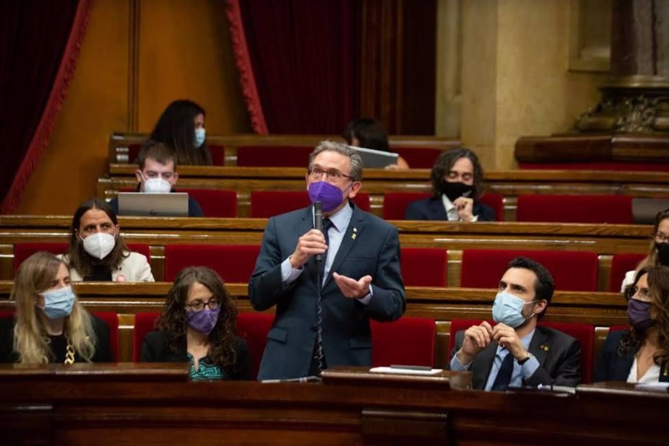 El conseller de Economía y Hacienda de la Generalitat, Jaume Giró, en el pleno del Parlament