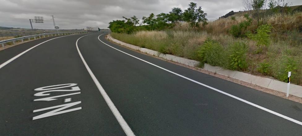 Fallece un hombre de 67 años al colisionar frontalmente contra un autobús en Nájera