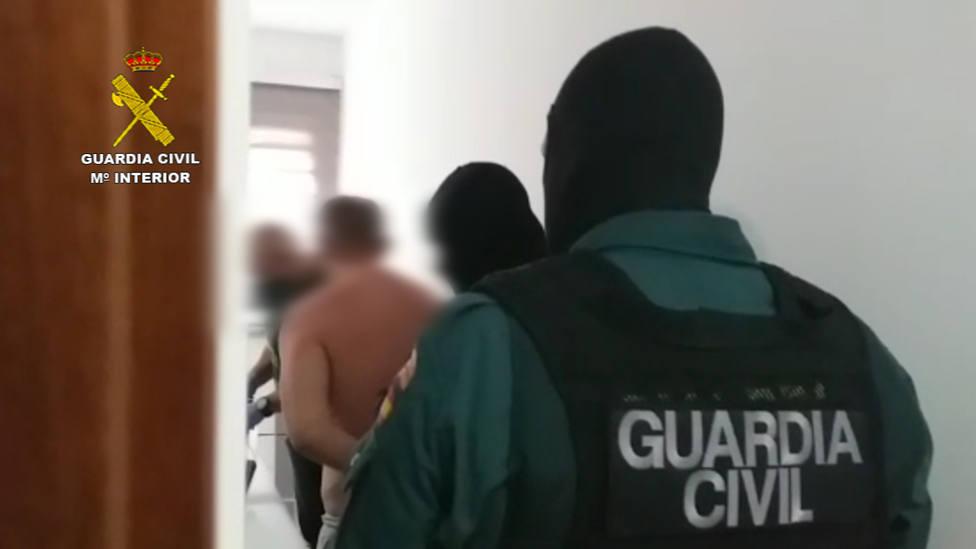 guardia civll banda españoles kosovares