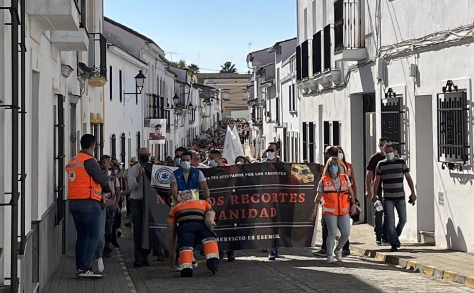 Manifestación por el servicio de ambulancias en Fregenal de la Sierra (Badajoz)
