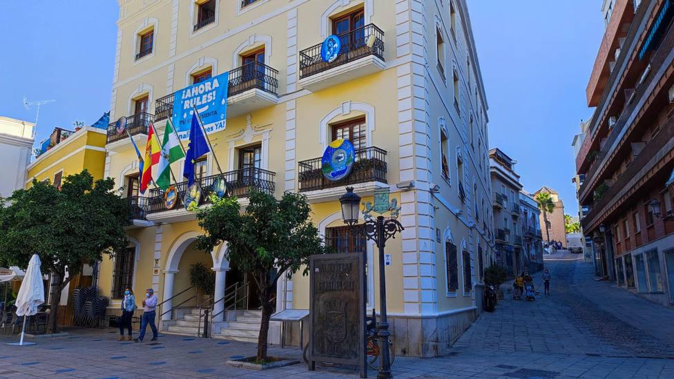 El Ayuntamiento de Almuñécar oferta 14 plazas de empleo público correspondiente a 2.021