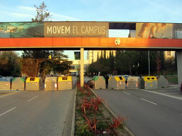 Estudiantes de la Autónoma de Barcelona vuelve a cortar los accesos al campus para exigir una rebaja en las tasas