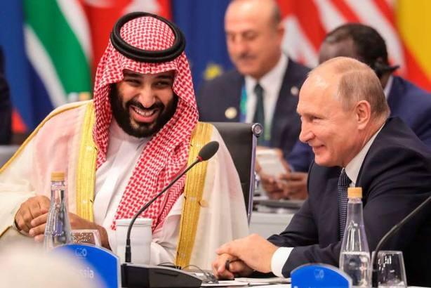 Putin saluda con efusividad al Príncipe Salman pese al asesinato de Khashoggi