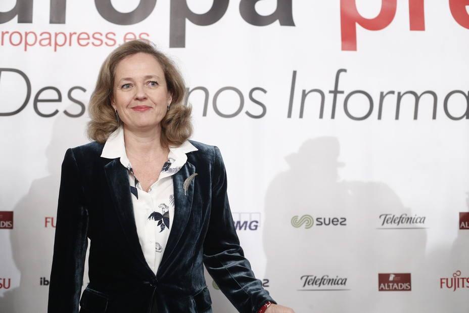 Calviño dice que el ambiente de protestas en Francia no es comparable con la situación de España