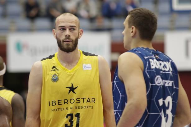 Pierre Gillet (Iberostar Tenerife) estará cuatro semanas de baja por una lesión muscular