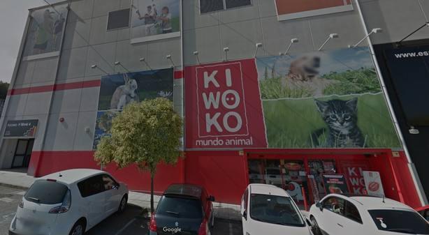 Dos individuos atracan a punta de pistola una tienda en Vigo