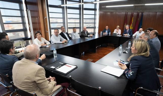 Arroyo promete una unidad especializada en grandes proyectos industriales