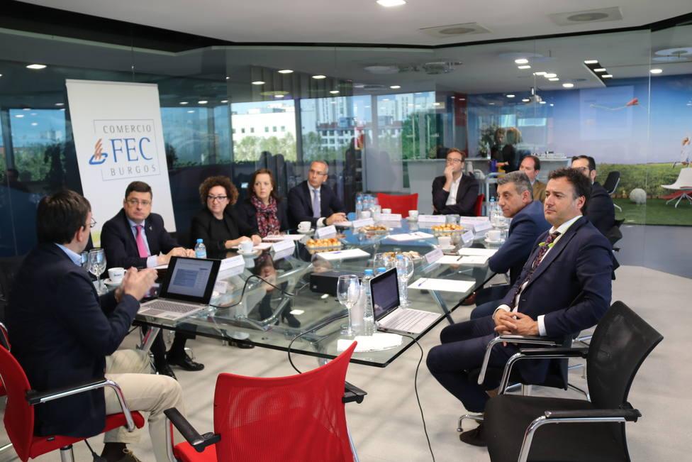 Reunión del II Foro del Comercio de Burgos en la sede de la FEC