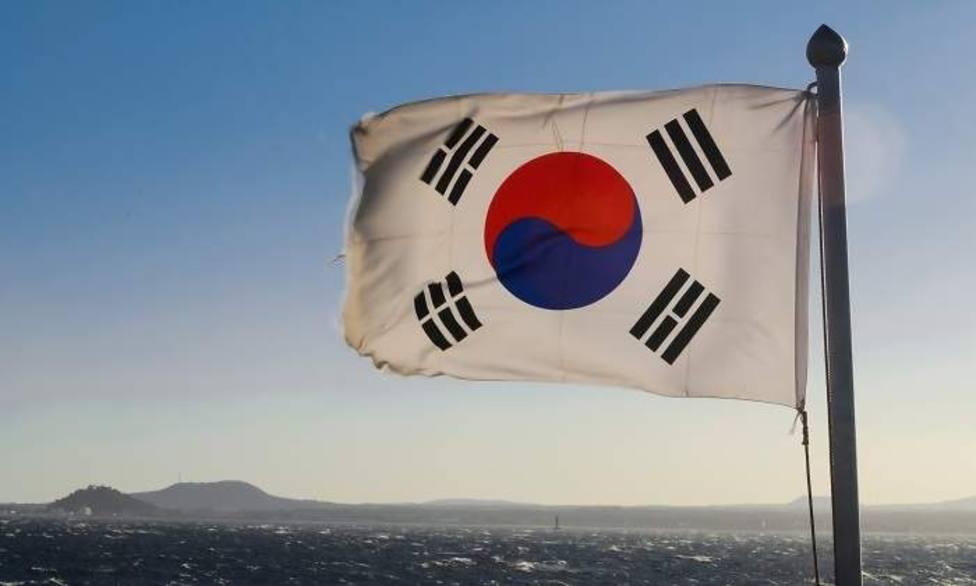 Un avión militar ruso sobrevoló el cielo de Corea del Sur, que respondió con disparos