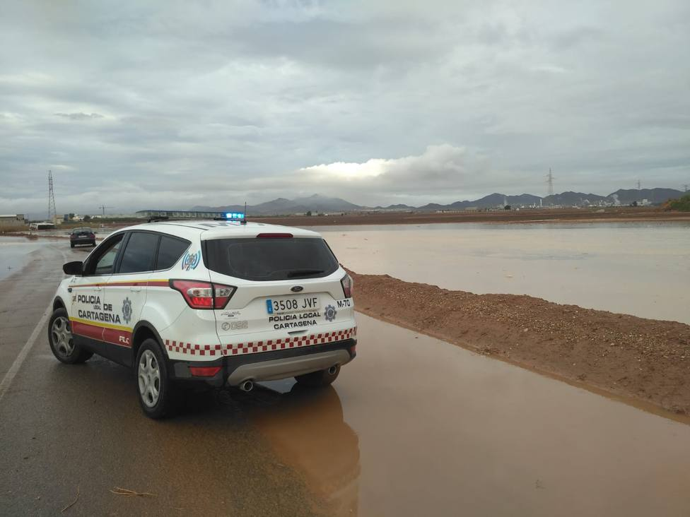 Cortes de carretera por la lluvia y normalidad en la vuelta al cole