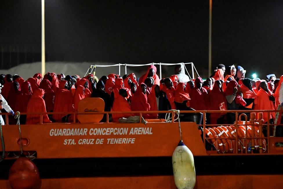 Llegan a Almería 186 inmigrantes rescatados de tres pateras en mar de Alborán