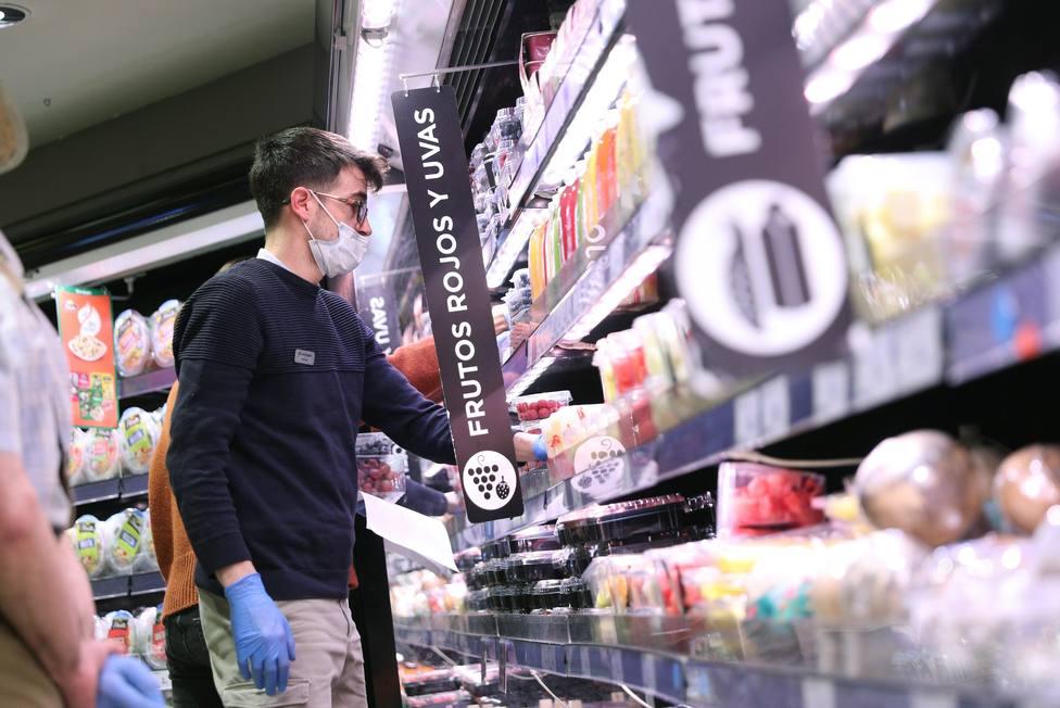 Los trucos para evitar las colas en tu supermercado y poder hacer la compra durante la crisis del coronavirus