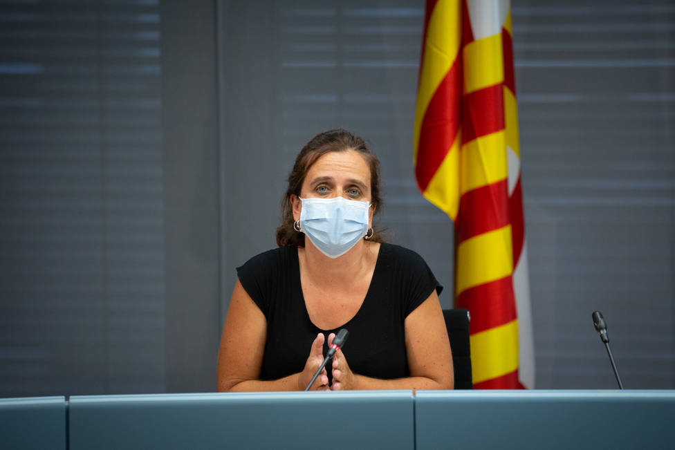 Barcelona estudia bajar la actividad social pero descarta otro confinamiento