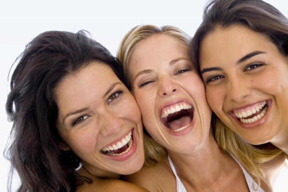 Un estudio revela que la mitad de los andaluces sonríe más ahora que antes del confinamiento.