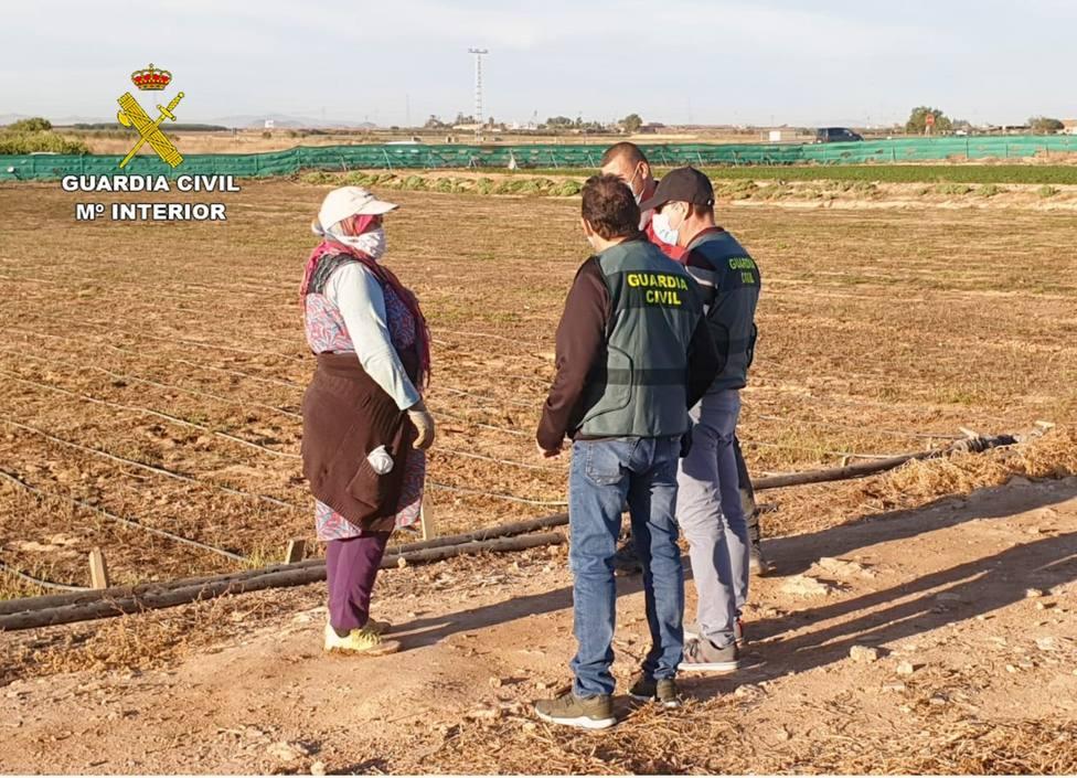 Nueve detenidos por explotar a extranjeras en el campo, tres de ellos por agredirlas también sexualmente