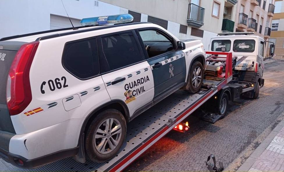 """Los coches """"tartana"""" de la Guardia Civil de Sevilla tienen """"volantes remendados"""" o cinturones en mal estado"""