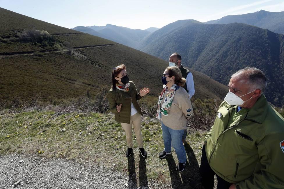 Ángeles Vázquez visitó la comarca de Os Ancares