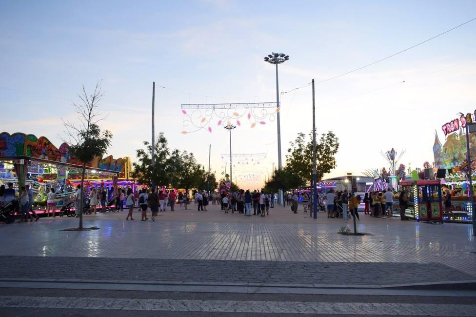 Lucena abrirá el 15 de abril, como parque temático para atracciones y puestos, la Feria de la Primavera
