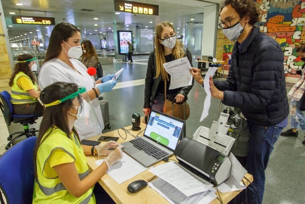 El Gobierno de Canarias permite viajar entre islas en nivel 3 o 4 con test negativo