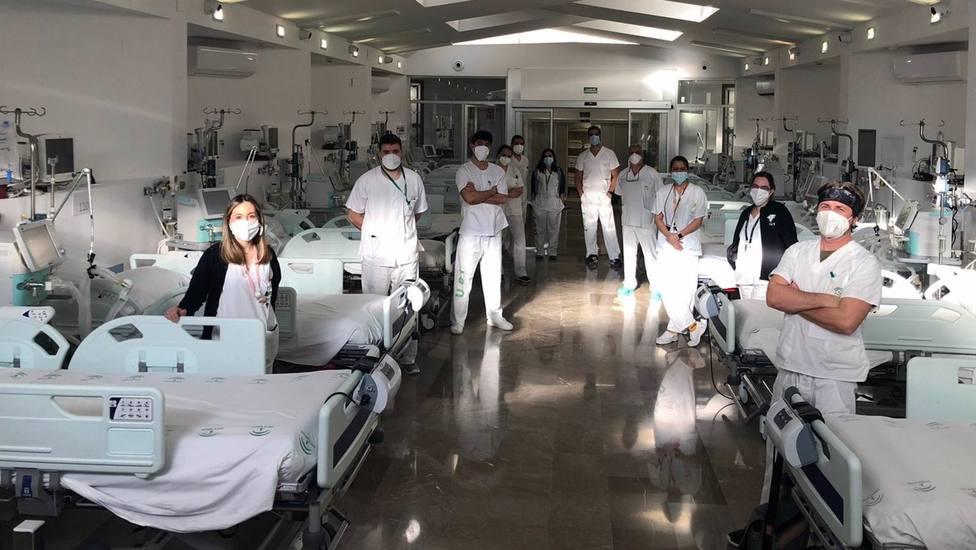 Granada.- Coronavirus.- Las UCI de la provincia superan el centenar de ingresados en una jornada sin fallecidos