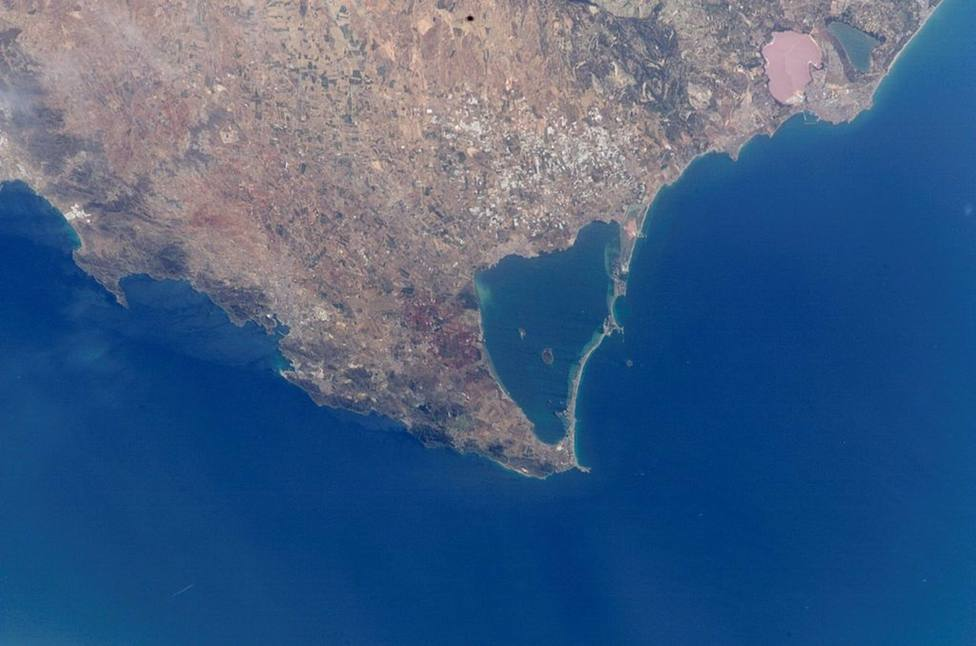La Comunidad y el Gobierno central llegan a un acuerdo sobre las competencias recogidas en la Ley del Mar Menor