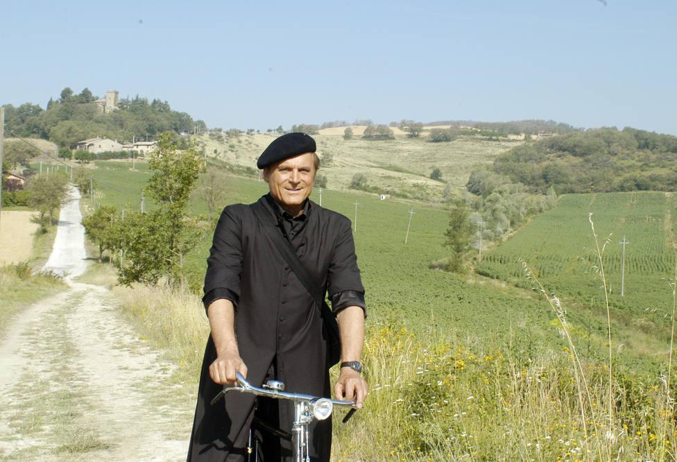 """Hoy martes, se emite el segundo capítulo de """"Don Matteo"""" el sacerdote detective en TRECE"""