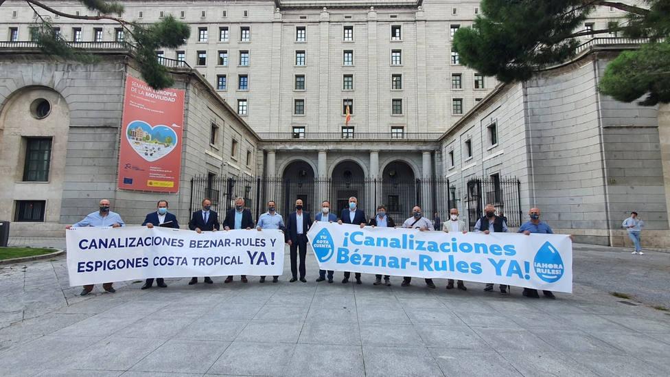 La Plataforma por las Infraestructuras de la Costa Tropical se planta en Madrid con sus reivindicaciones