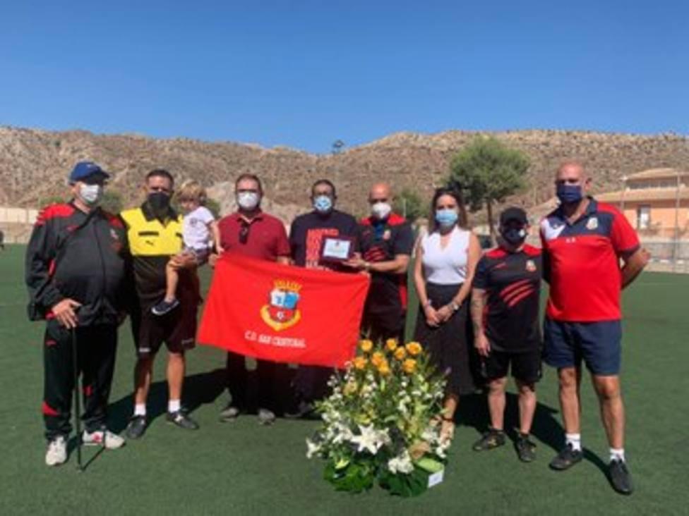 El San Cristóbal CF rinde homenaje a Joaquín Navarro